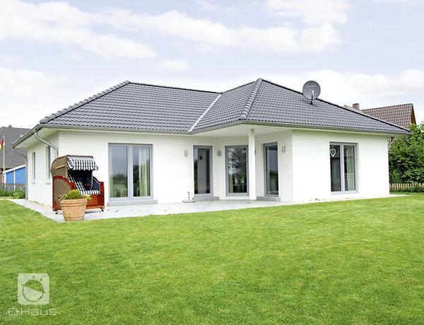 die hauskreation bungalow von haus bietet leben auf. Black Bedroom Furniture Sets. Home Design Ideas