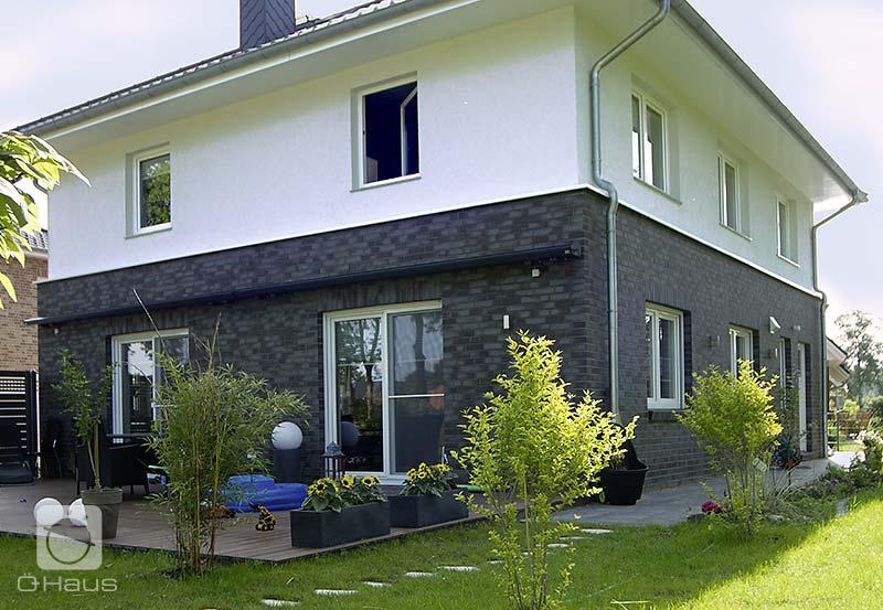 die hauskreation stadtvilla von haus bietet mehr raum auf zwei vollen ebenen. Black Bedroom Furniture Sets. Home Design Ideas